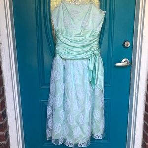42375fe7a3 Dresses   Skirts - Vintage 80s prom formal mint lace dress